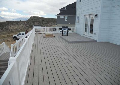 Deck & Stairs w/ Vinyl Railing – Saratoga Springs